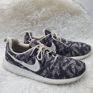 Nike Men's Roshe Run Print Tiger Camo Sneaker